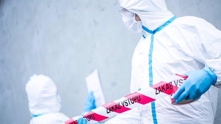 První tři Češi se vyléčili z nákazy koronavirem, zůstává 344 pacientů