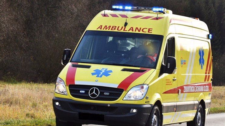 Nehoda na Havlíčkobrodsku: Šest lidí se přiotrávilo v hospodě kvůli výpadku proudu