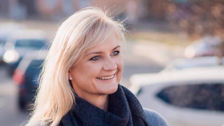 Hejtmanka Jermanová pohořela: Na kolena ji srazila starostka Mnichovic a bývalá novinářka Petra Pecková