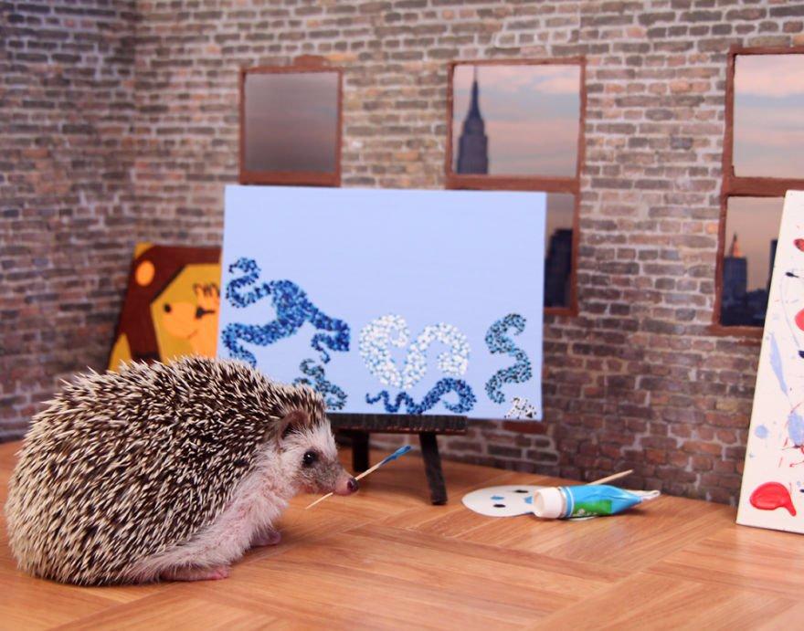 Humphrey zachycen jako talentovaný malíř.