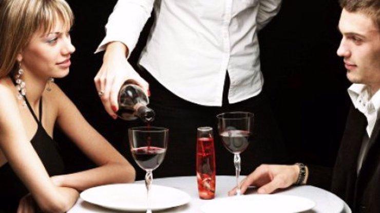 15 zákeřných otázek, které by holky strašně rády položily svému bývalému příteli