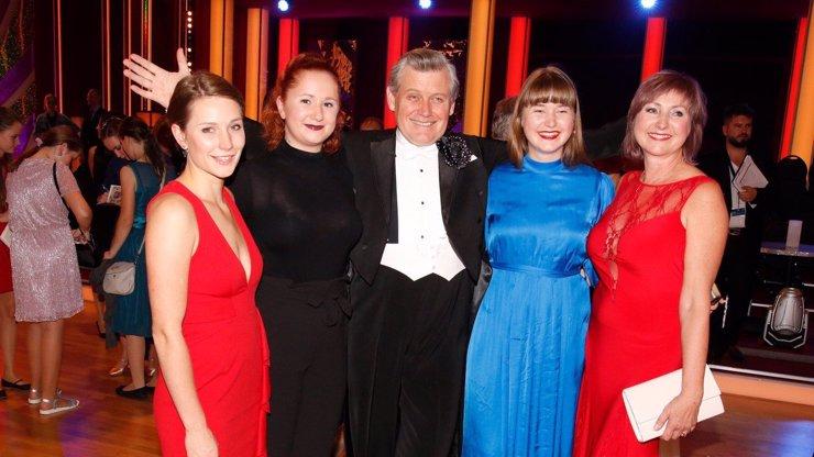 Hvězda StarDance Miroslav Hanuš: Tohle jsou jeho tři dcery, jedna s ním hraje v Ulici
