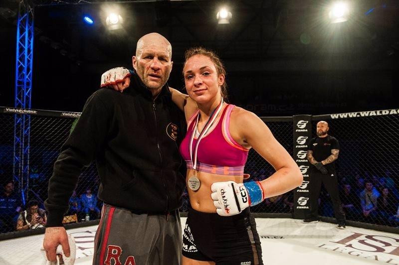 UFC míří do Prahy: Pořádnou válku svedou borci z první desítky polotěžké váhy