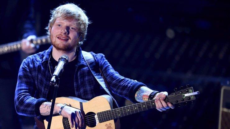 Ed Sheeran má nové tetování: S dokončením musí čekat, až se mu narodí děti