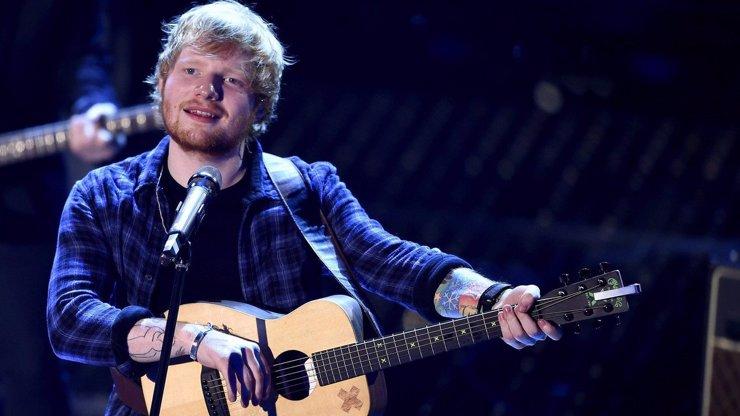 Deprese a přejídání: Zpěváka Eda Sheerana zachránila manželka Cherry