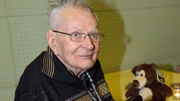 Těžké stáří Jana Skopečka (94): Je téměř hluchý a slepý, nemá si s kým povídat