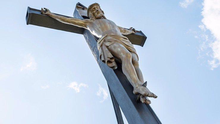 Poklad v Klášteru Milevsko: Archeologové našli část hřebu, kterým mohl být Ježíš přibit ke kříži