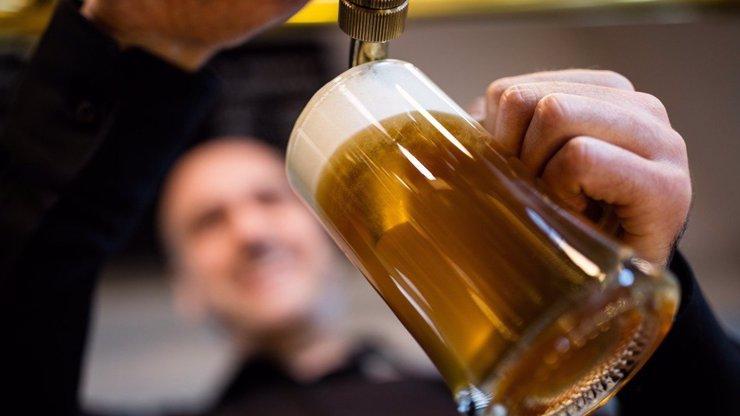 Jde do tuhého: Rusové navrhují zakázat dovoz českého piva