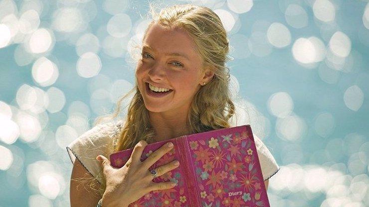 Amanda Seyfried se stala podruhé maminkou: Hvězda filmu Mamma Mia! těhotenství utajila