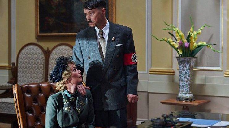Film o Lídě Baarové slaví další úspěch. Pavel Kříž v roli Hitlera je nezapomenutelný!