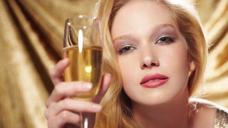 Lijí do nás hnusy! Tohle víno máme v Česku pít a platit za něj?