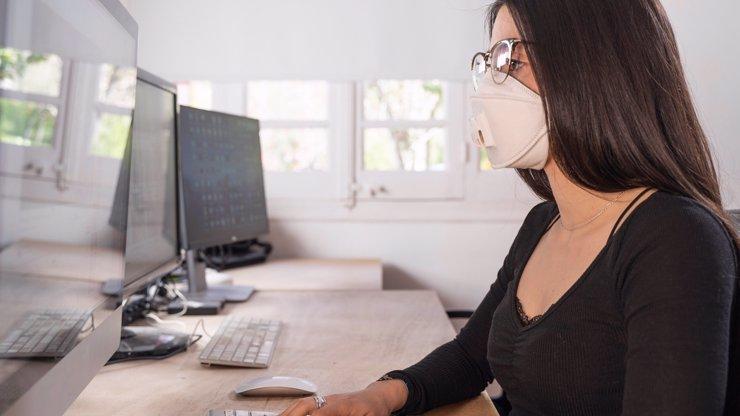 Tušíte, jak se v práci bránit nákaze koronavirem?