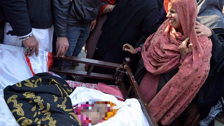Stačil drb, že spálila korán: Za pár hodin ji umlátily stovky rozběsněných muslimů, kteří se ještě nechutně vyřádili na mrtvole!