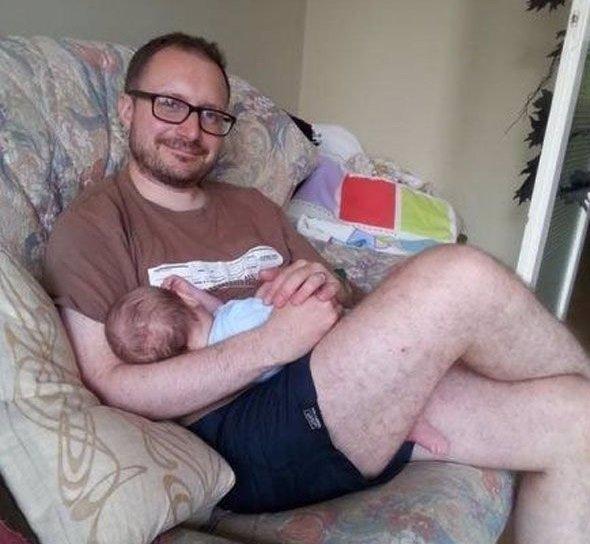 Nevinná fotka s miminkem a podívejte, co způsobila.