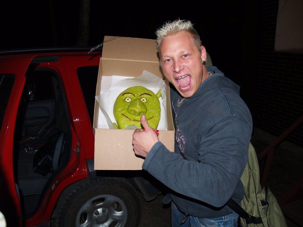 ZMUTOVANÉ MONSTRUM? Shrek z reality show Big Brother ze sebe udělal nařachané hovado!