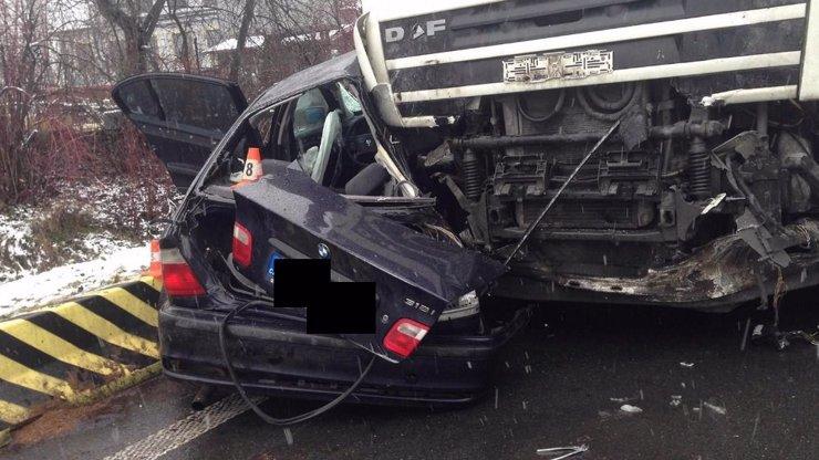 Utrpěl psychický šok! Narazil do něj mladík (†18) v BMW, který jel na letních gumách!