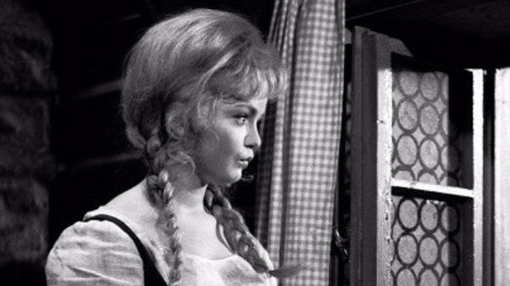 Zpověď první filmové Popelky: Doteky prince jí byly proti srsti. A kolik si vydělala?