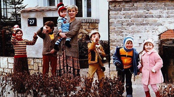 Známe osudy dětí z komedie S tebou mě baví svět: Takhle vypadají po 36 letech!