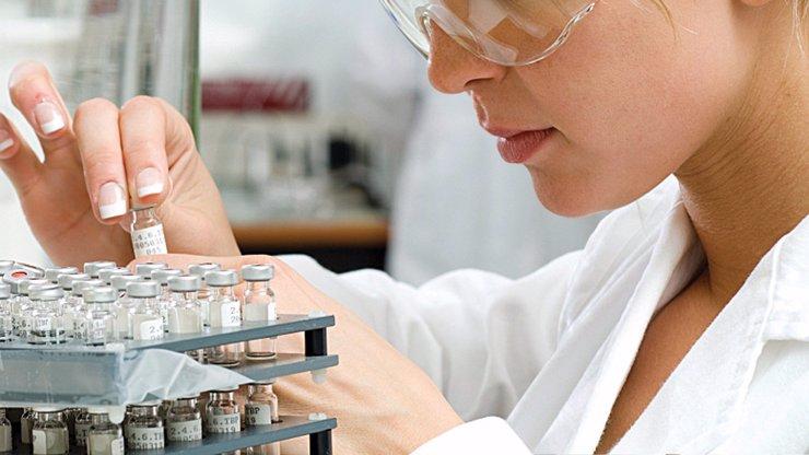 Vakcína proti zákeřné borelióze je na světě! Vynalezli ji samozřejmě čeští vědci!