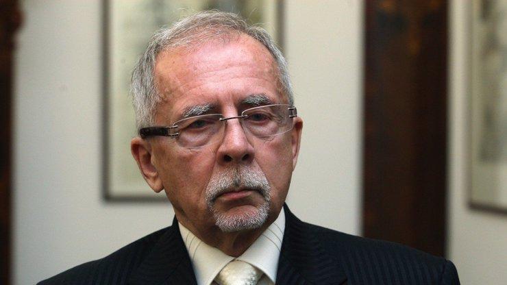 Novým ombudsmanem je Stanislav Křeček, nahradí končící Annu Šabatovou
