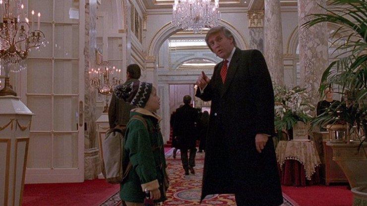 Donald Trump na Vánoce ostrouhal: Prezident USA byl vystřižen ze Sám doma 2