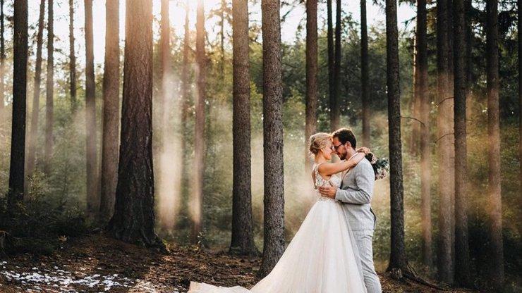 Hvězda Ulice Solaříková se vdala: Svoji lásku si vzala v lese