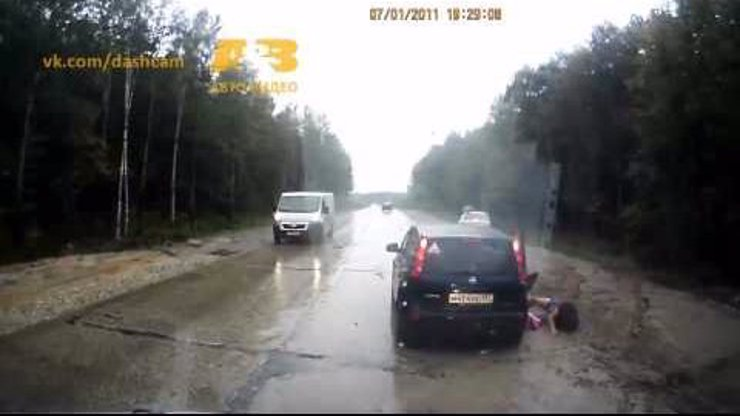 Video: Strašlivé ruské bouračky, které nakonec dopadly dobře. Tohle musíte vidět!
