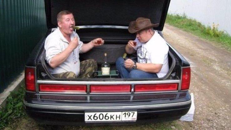 Rusové vracejí úder a posílají nám dalších 15 fotek. Všechny je musíte vidět!
