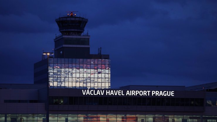V Ruzyni se srazila dvě letadla: Spoje kvůli srážce nabírají zpoždění