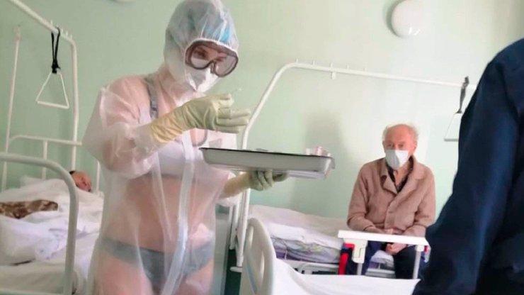 Proti koronaviru vytáhla nahotu! Provokující sestřičku trest nemine