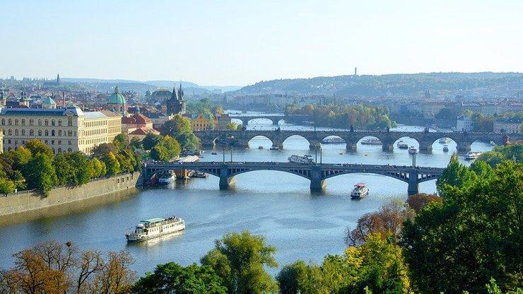 Obří trapas Poláků: Turisty k sobě lákají fotkami Prahy nebo Tater