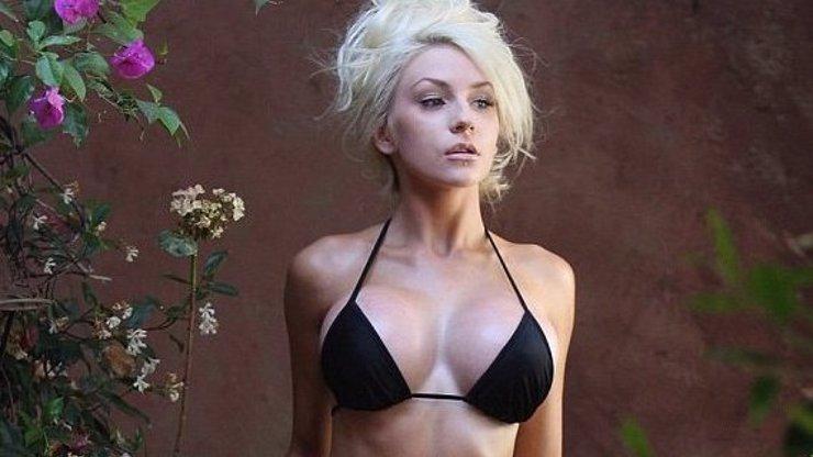 Hvězdička Courtney Stodden šla pod kudlu. Teď ukázala, jak vypadají její obrovské nové pětky!