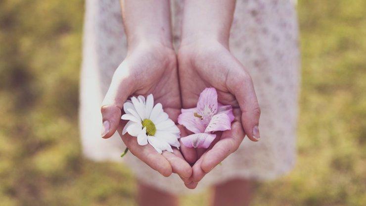 VELKÝ HOROSKOP NA KVĚTEN: Vodnáři zažijí nové věci, Býci se soustředí na lásku