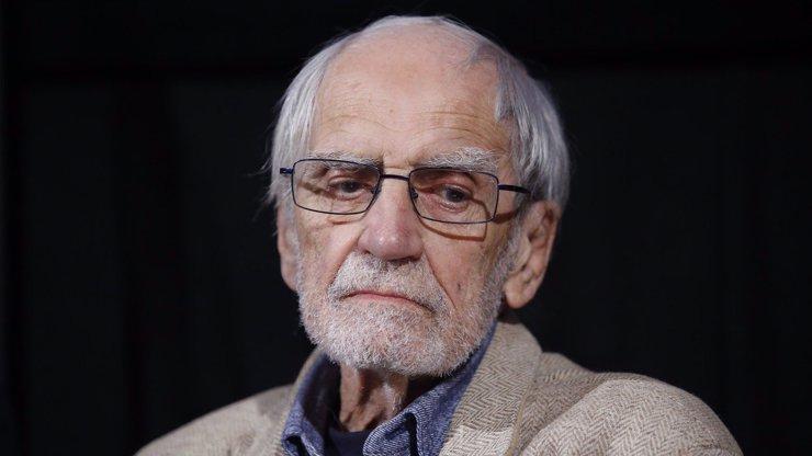 Zemřel autor Zdivočelé země a politický vězeň Jiří Stránský (†87)
