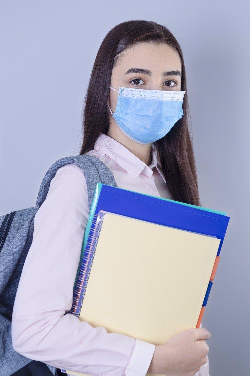 Maturanti v ohrožení: Pokud má student příznak infekčního onemocnění, nesmí ke zkoušce