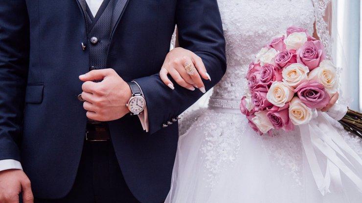 Skandální odhalení před svatbou: Z nevěsty se vyklubala ztracená dcera ženichovy matky