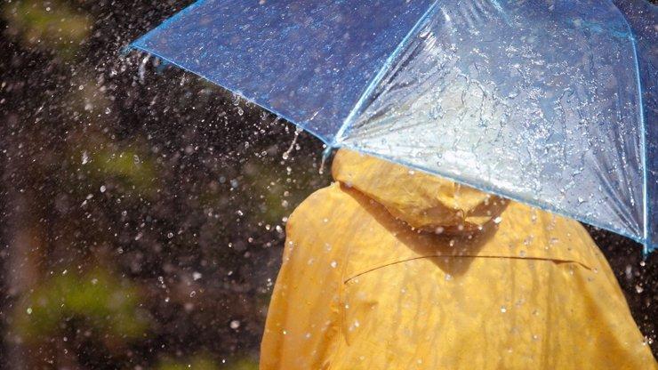 Pozor, výstraha: Meteorologové varují před velmi silným deštěm a povodněmi