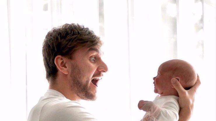 Youtuber Tary, který se vysmíval dětem, se změnil k nepoznání: Je z něj milující tatínek