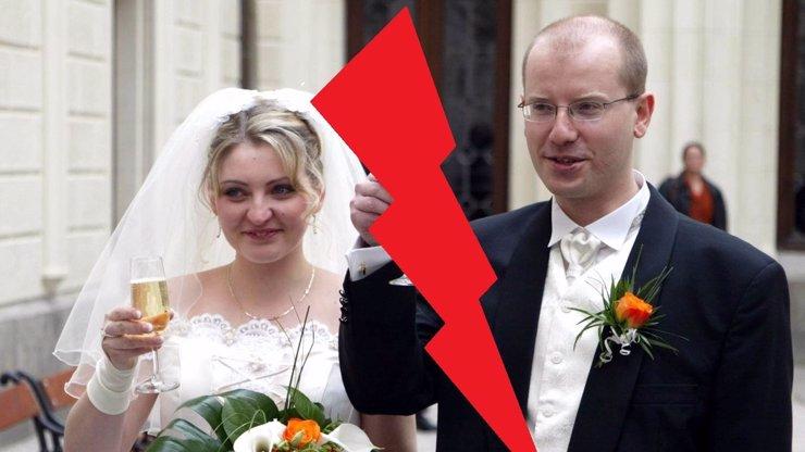 Bohuslav Sobotka a jeho manželka Olga oznámili rozchod! Podle informací eXtra.cz spolu nežijí již dávno