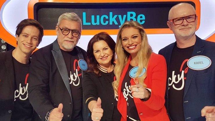 Půvabná Lucie Borhyová se pochlubila rodiči: Maminka vypadá jako její sestra