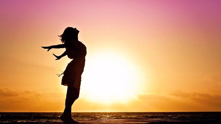 Slunce vstoupí do znamení Panny: Blížencům neodpustí lenost, Býky zahrne láskou