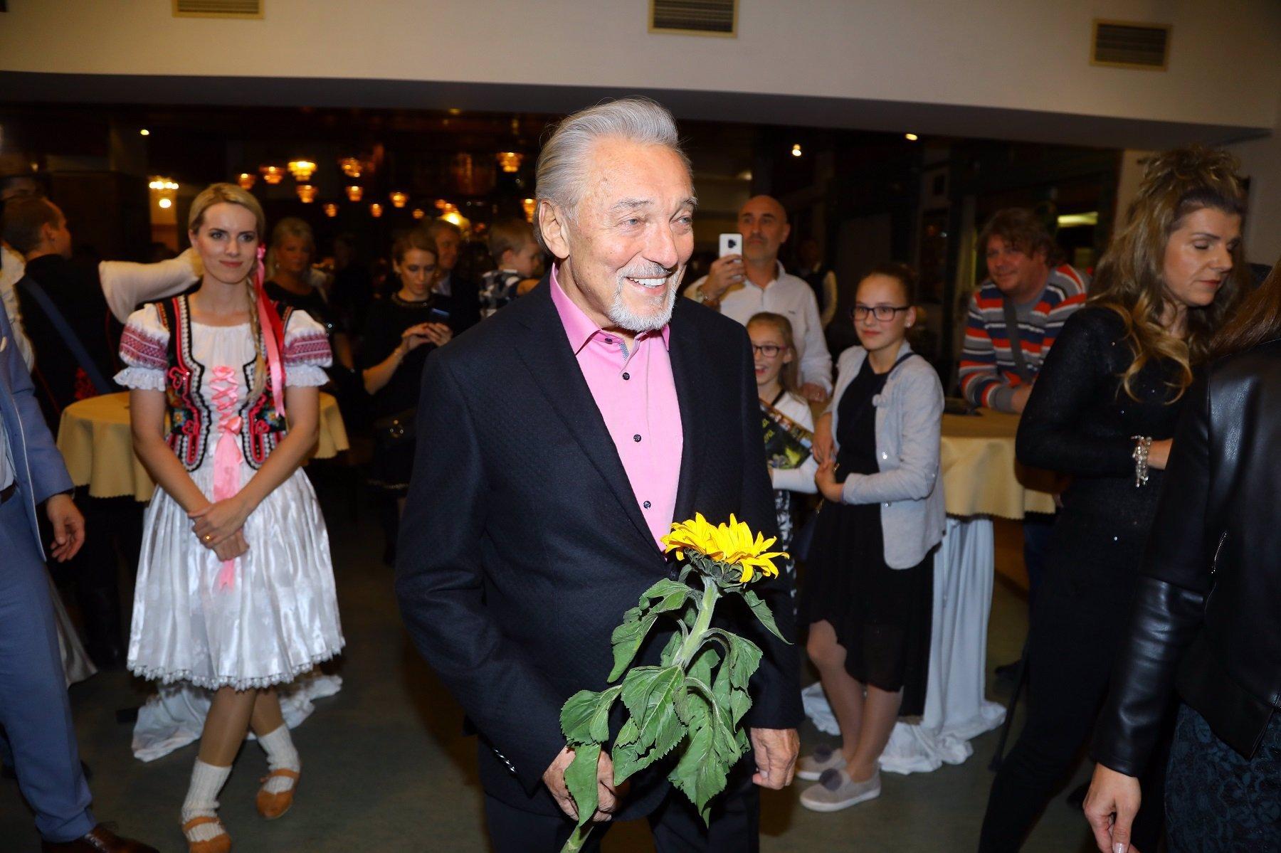 Stvořitelka hitu Řekni, kde ty kytky jsou zemřela: Jiřině Fikejzové bylo 93 let
