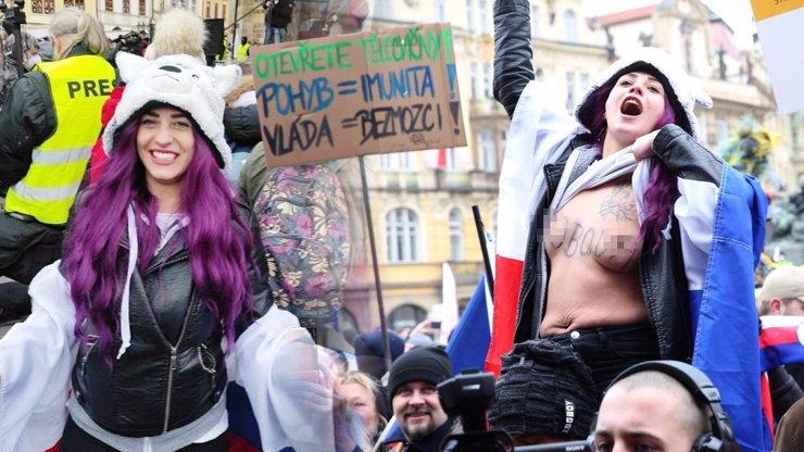 Na protestu proti covidotyranii ukázala ňadra: Anna vysvětluje nahotu a proč se svleče znova