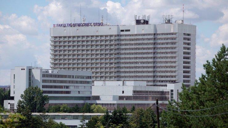 Fakultní nemocnice v Brně byla napadena: Čelí kybernetickému útoku, nesmí se operovat
