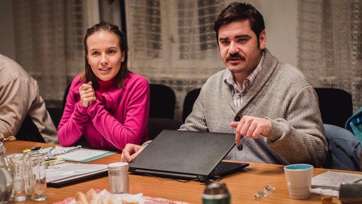 Peklo majitelů bytů přichází na plátna: Vojta Kotek a Tereza Voříšková se představí jako VLASTNÍCI