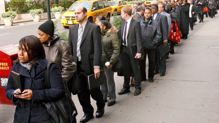 Takové fronty na pracáku ještě nebyly! Kolik lidí v lednu shánělo zaměstnání? A bude to lepší?