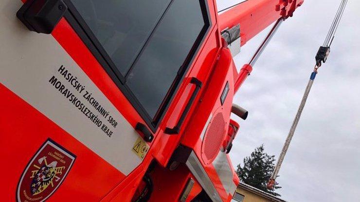 Dvě děti (†3 a †5) uhořely v Havířově: Matka je zřejmě zamkla a odešla na úřad