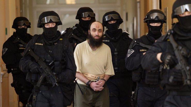 Pražský soud poslal bývalého imáma do vězení: Samer Shehadeh vyfasoval 10 let
