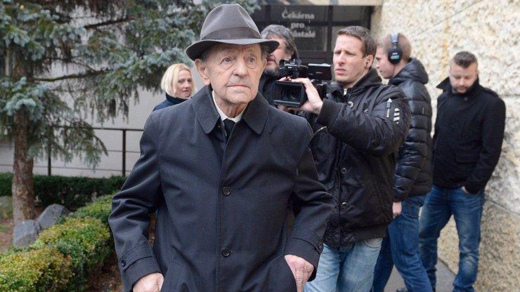 Poslední slova Miloše Jakeše (†97): Jsem nemocný a nemám už sílu