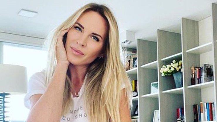 Modelka Diana Kobzanová opět provokuje: Káže vodu a pije víno